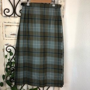 Pitiochry wool wrap skirt made in Scotland